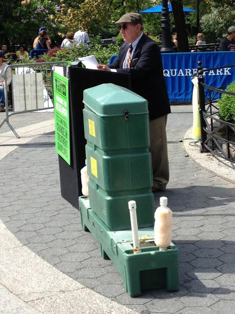 Dr. Liegner delivering his speech – May 10, 2013 Photo Credit: Katherine J. Kornblau-Susskind
