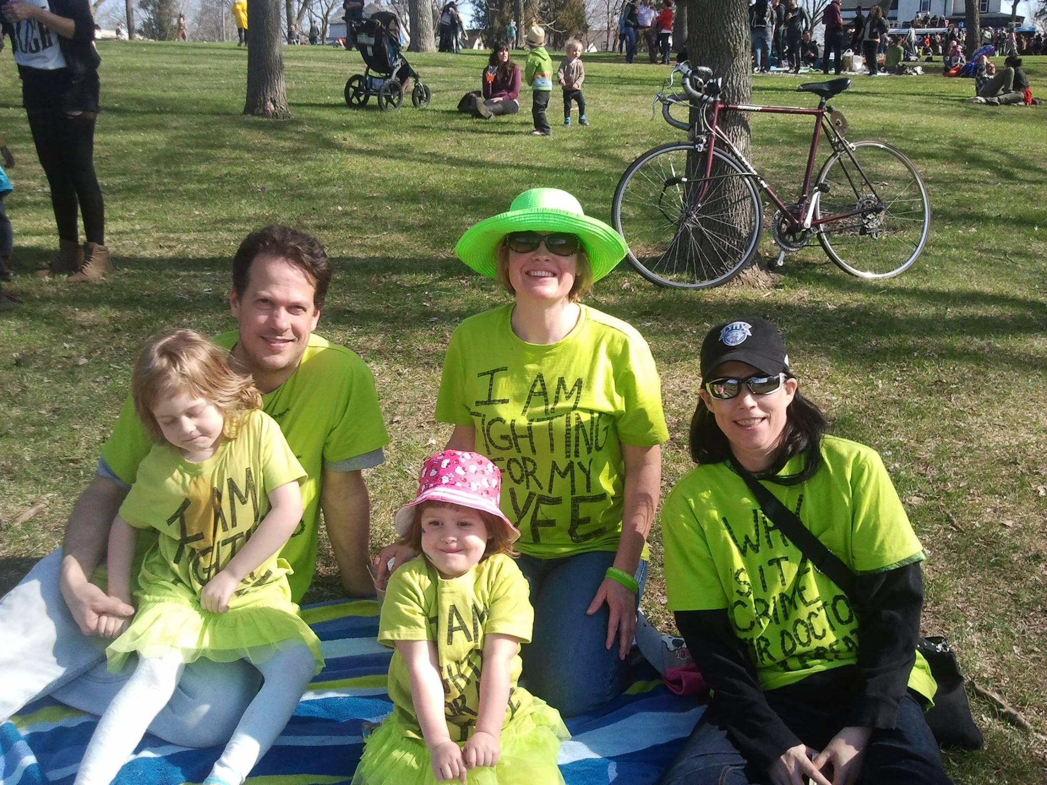 Vicki,  Kara and her family at the Lyme Battalion, May 2014